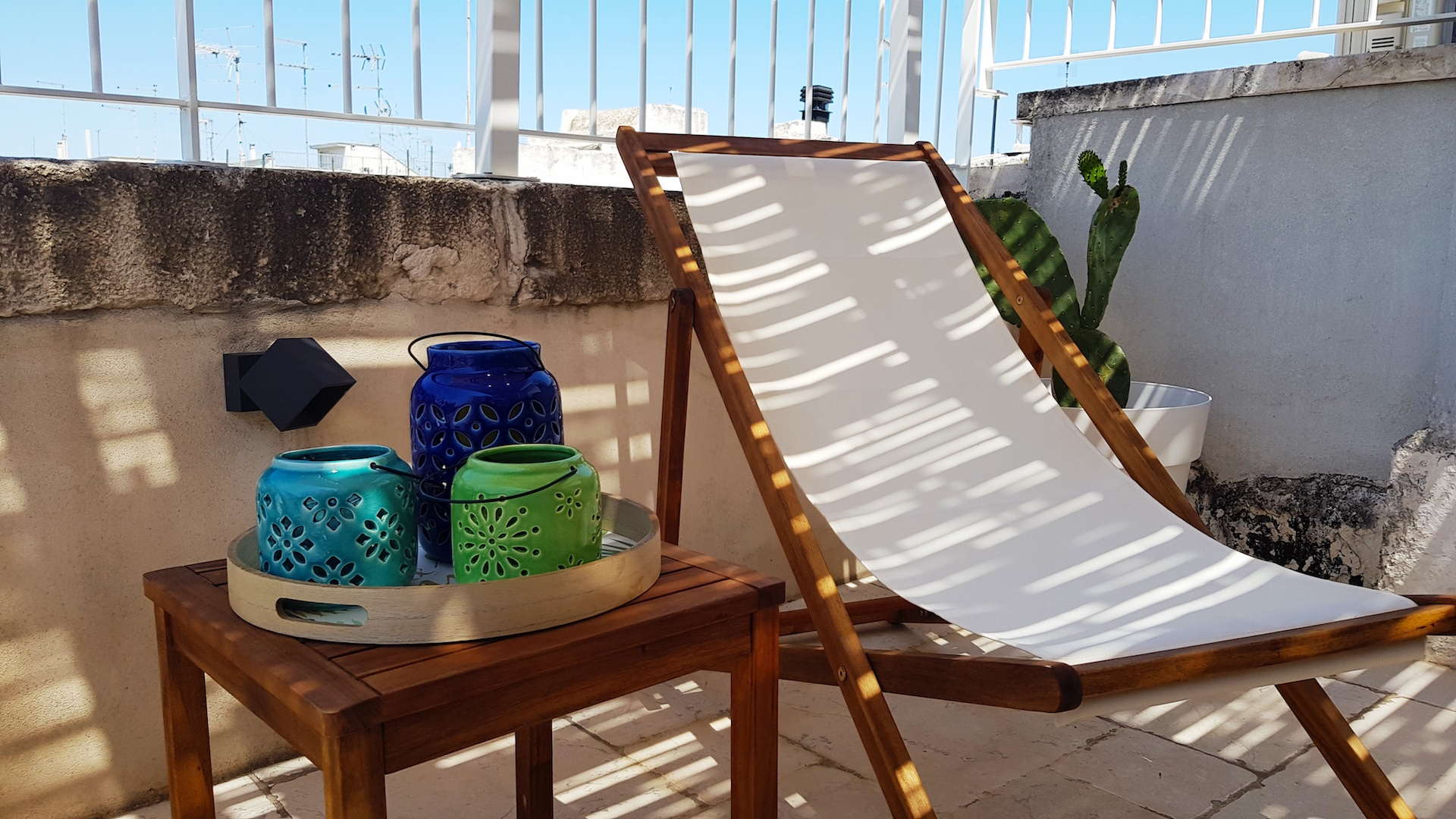 Cozy lounge chair on the rooftop terrace (patio) at Casa Emma in Ostuni Puglia