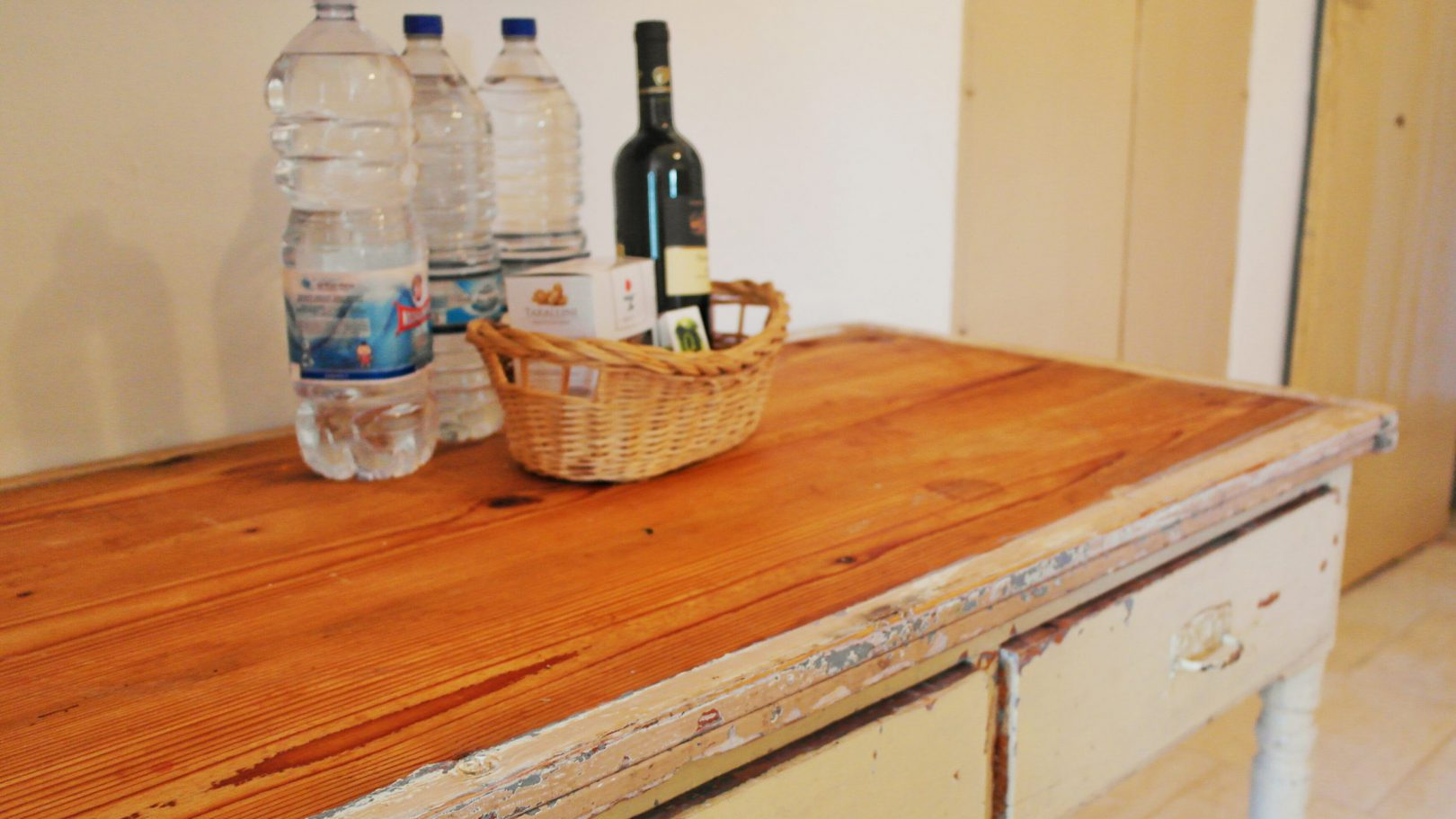 Welcome gifts of local Puglia products at Masseria Bellavista Ostuni Vacation holiday rental villa in Puglia with pool and seaview