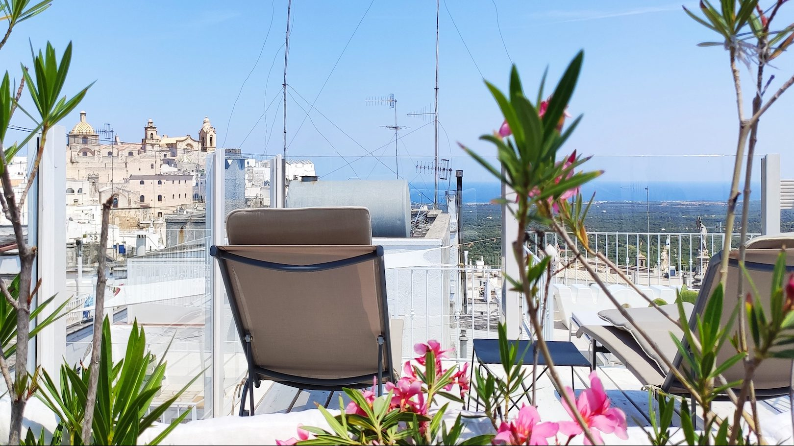 Glass barrier allows for spectacular view from Casa dei Fiori holiday vacation rental home in Ostuni Puglia