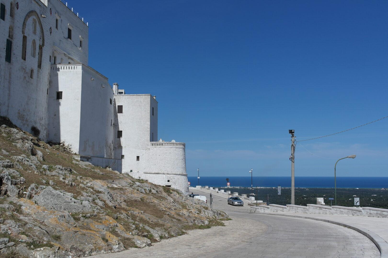 Walk along defensive wall Ostuni